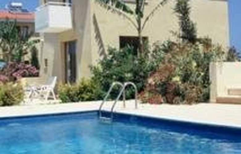 Natura Beach Villas - Pool - 3