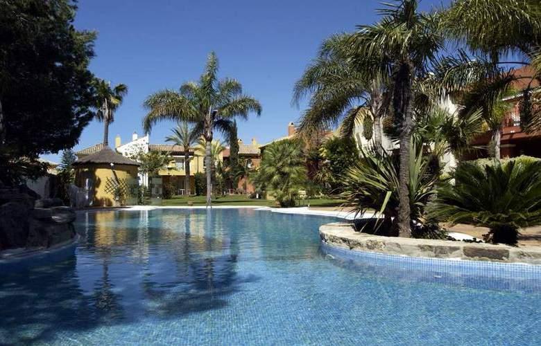 Soho Boutique Vistahermosa - Pool - 10