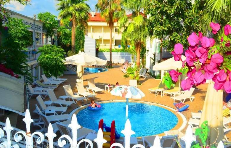 Sunbird Apart Hotel - Pool - 7