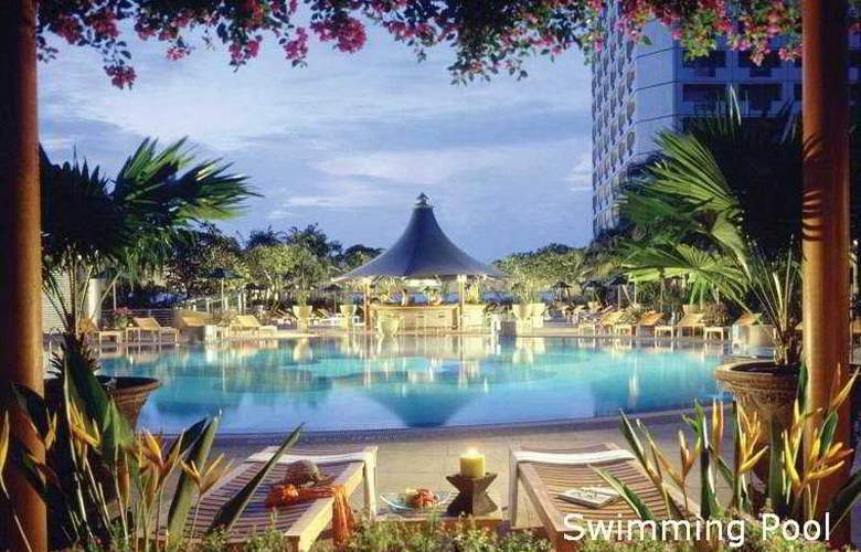 Swissotel The Stamford Singapore - Pool - 5