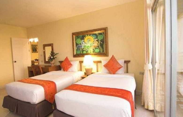 Waterfront Suites Phuket by Centara - Room - 0
