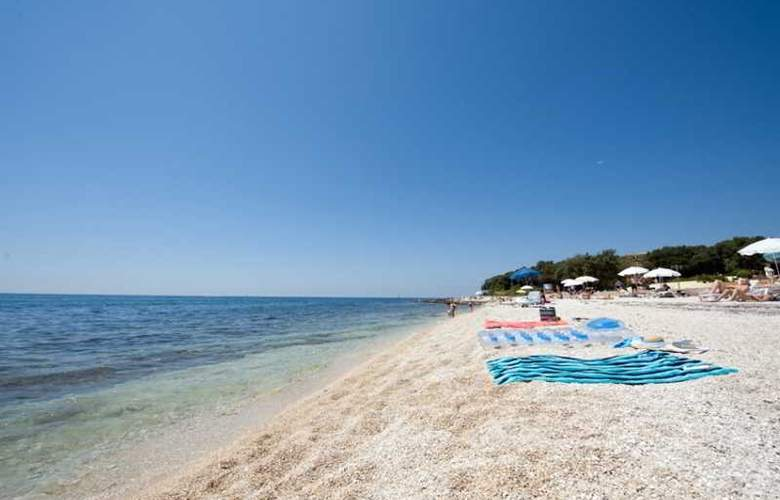 Amarin Resort Apartments - Beach - 17