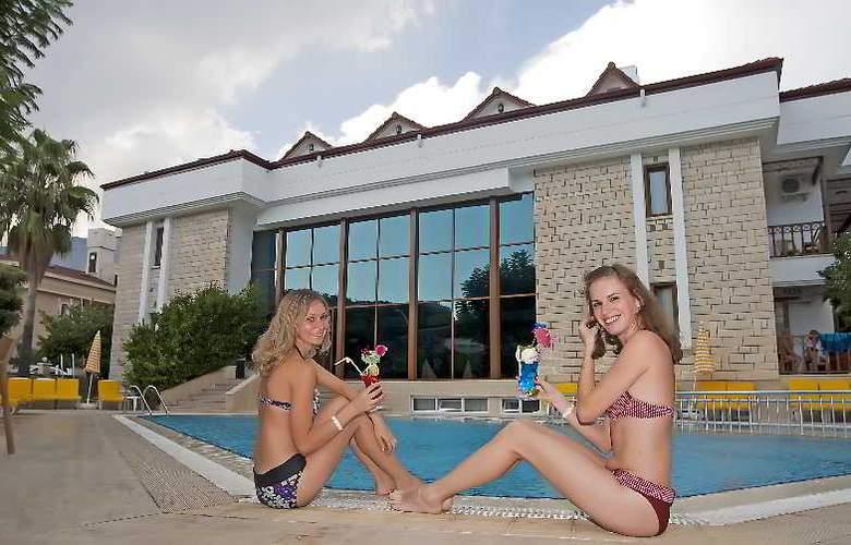 Felice Hotel - Pool - 25