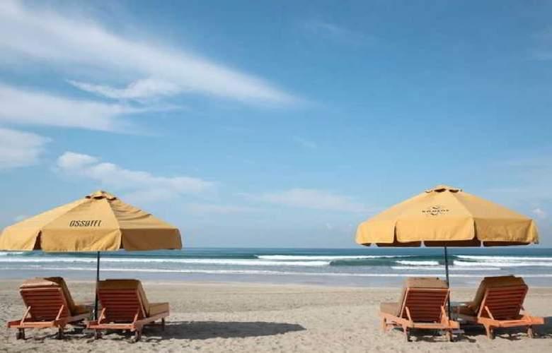 Ossotel Legian Bali - Beach - 10