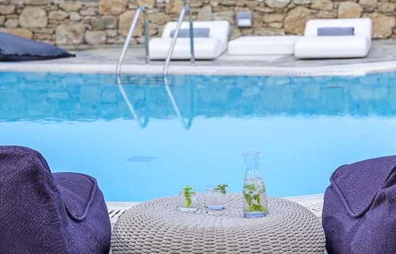 Ostraco Luxury Suites - Pool - 20