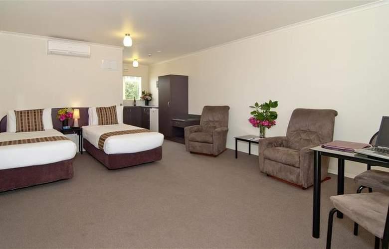 Best Western BK's Pioneer Motor Lodge - Room - 1