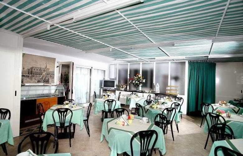 Hotel Carmencita - Restaurant - 7