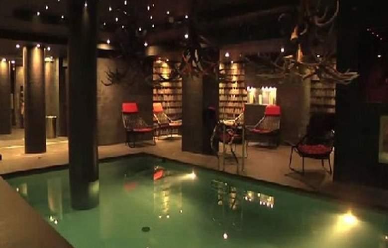 Avenue Lodge Hotel - Pool - 11