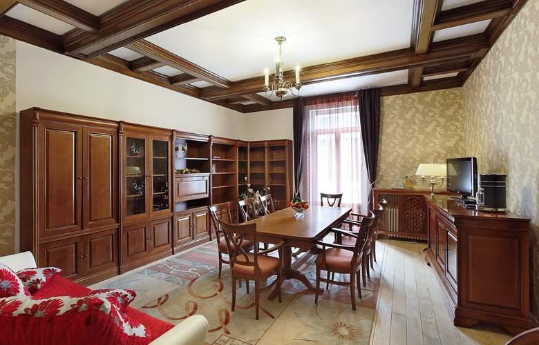 Palace - Room - 4