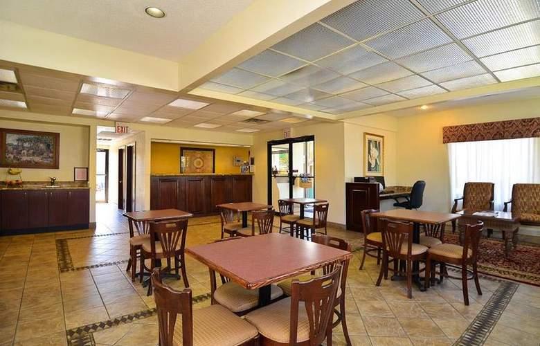 Best Western Royal Inn - Restaurant - 36