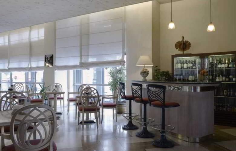 NH La Spezia - Bar - 12