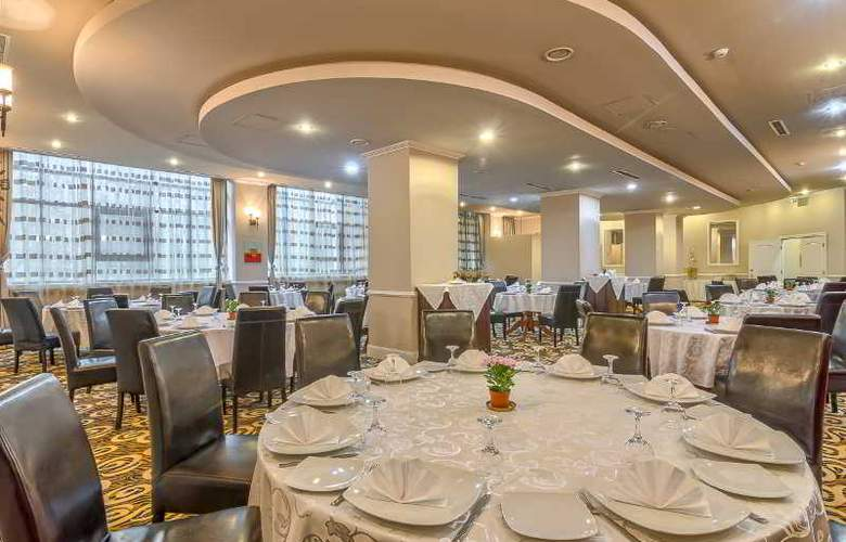 Mirage Snagov Hotel resort - Restaurant - 10