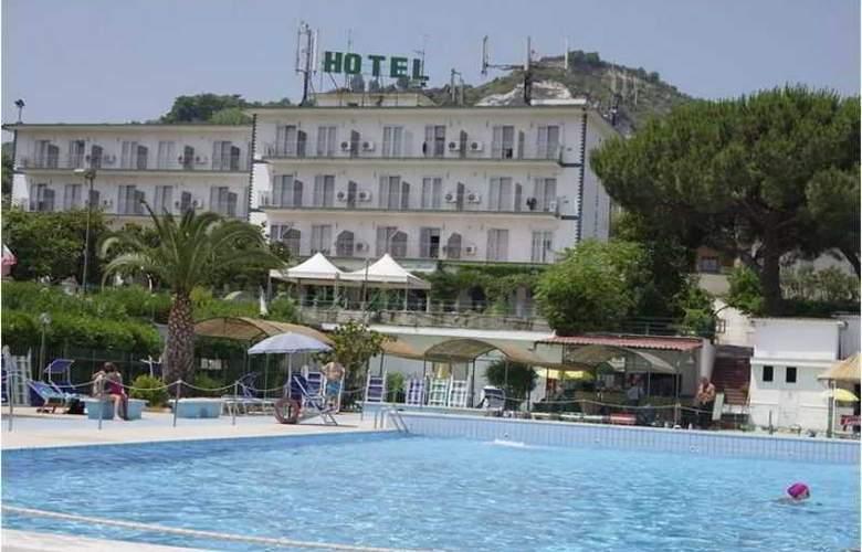Tennis Hotel - Hotel - 1
