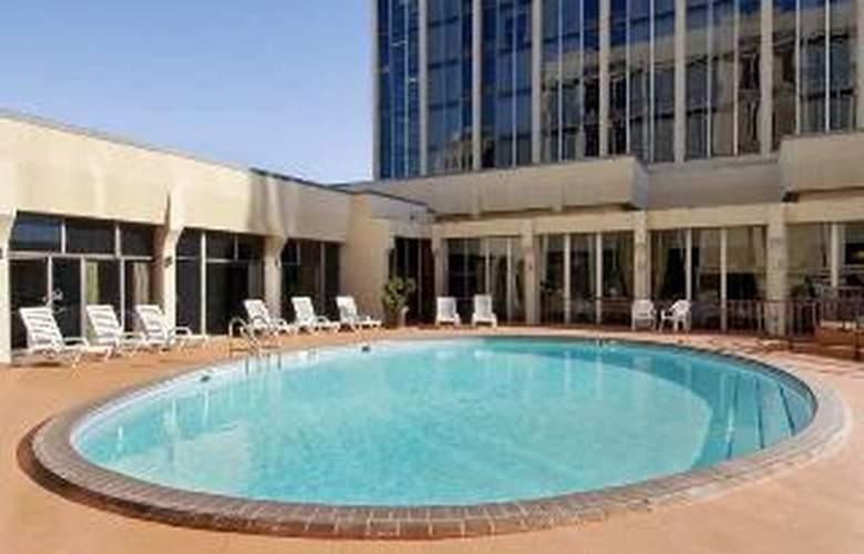 DoubleTree by Hilton Midland Plaza - Sport - 4
