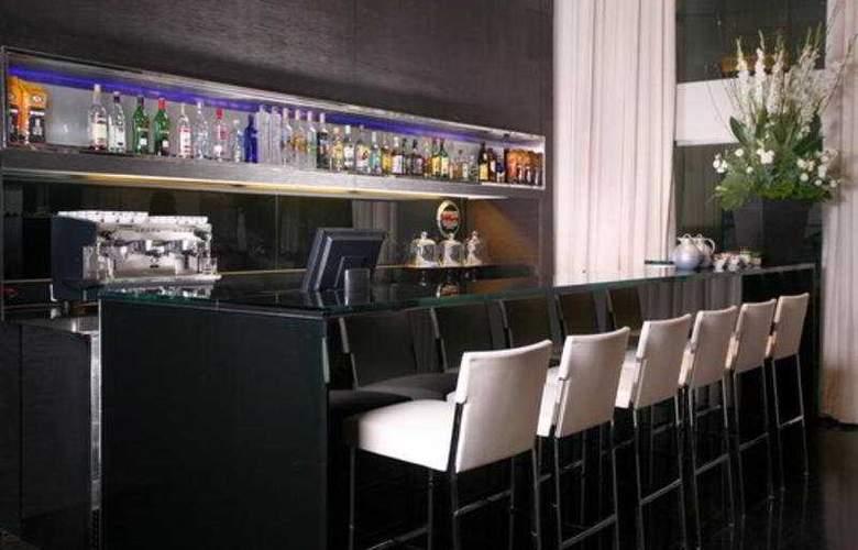 Crowne Plaza City Center - Bar - 6