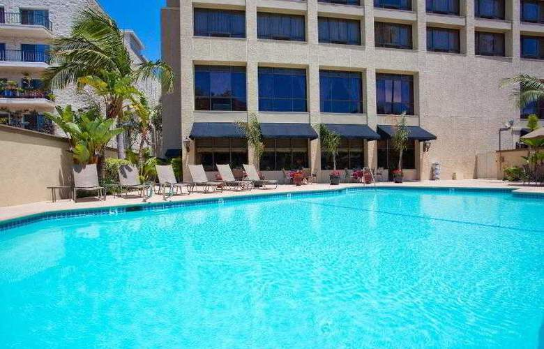 Beverly Hills Marriott - Pool - 34