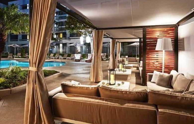 DoubleTree by Hilton Hotel MDR - Terrace - 8