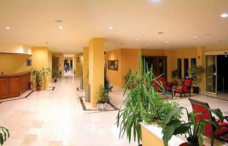 Caprice Beach Hotel - General - 3
