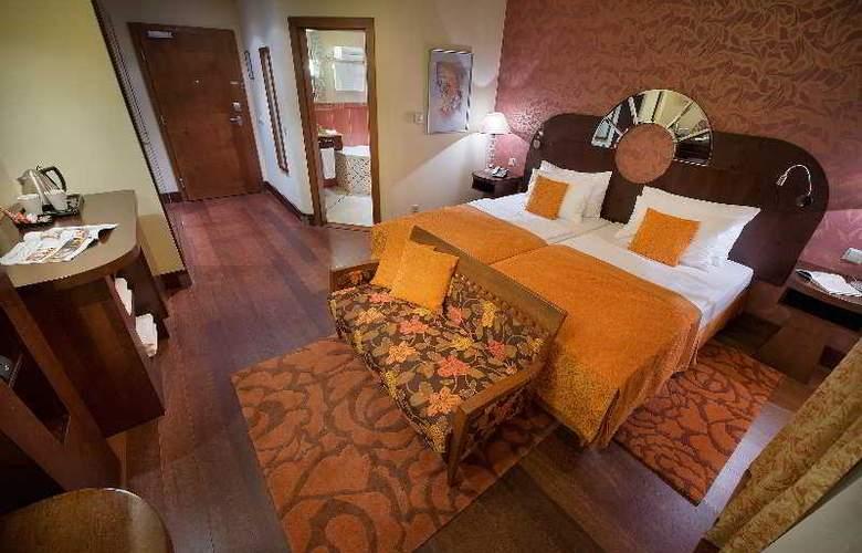 Grand Hotel Zvon - Room - 9