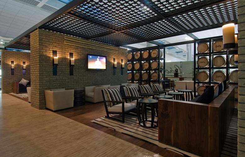 Dubai International Airpot - Terminal hotel - Bar - 19