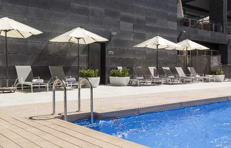 Ilunion Atrium - Pool - 30