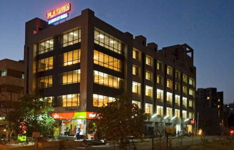 Platinum Inn - Hotel - 0