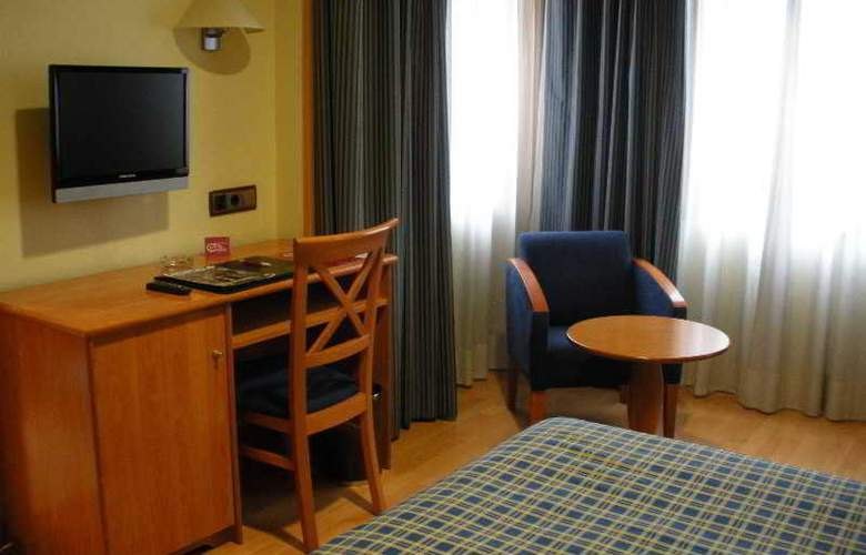 II Castillas Madrid - Room - 15
