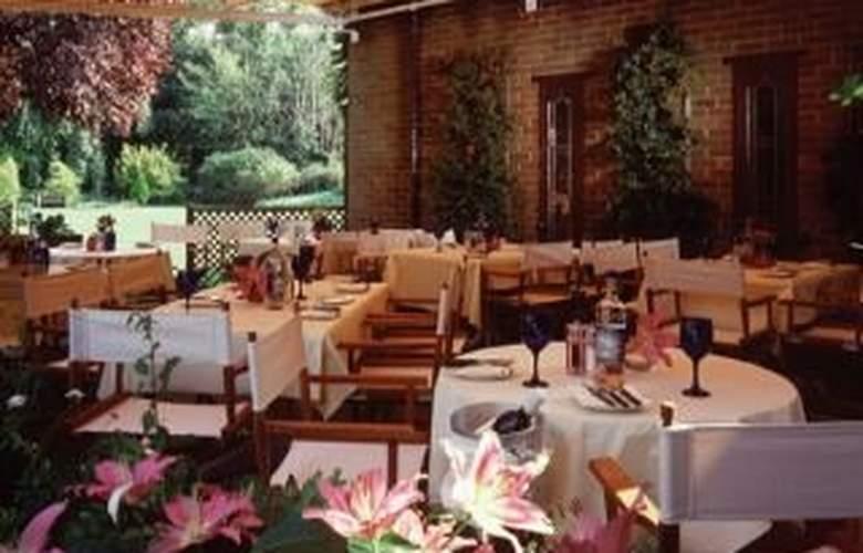 Macdonald Alveston Manor - Terrace - 5
