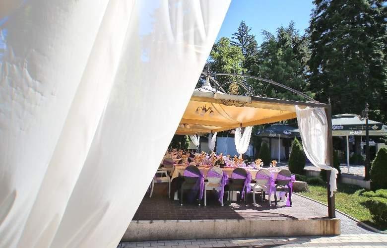 Holiday Village Diplomat - Restaurant - 10