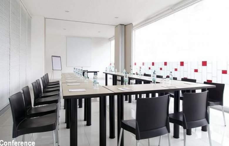 Amaris Hotel Pekanbaru - Conference - 3
