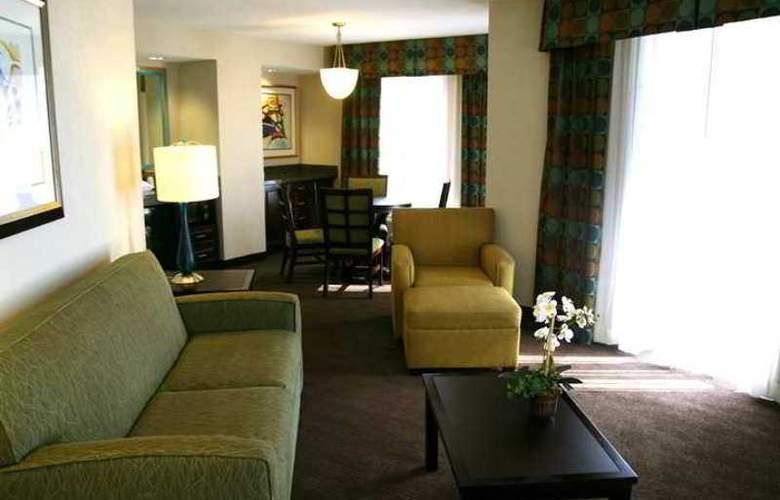 Hampton Inn & Suites Nashville-Downtown - Hotel - 3