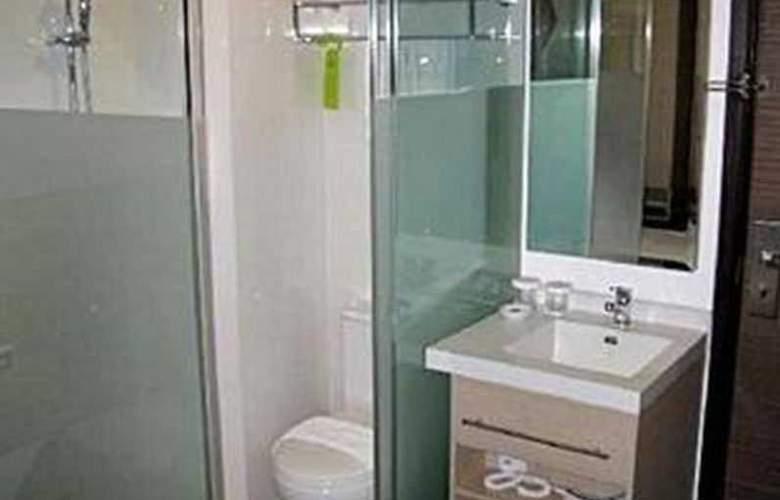 Aqueen Hotel Balestier - Room - 8