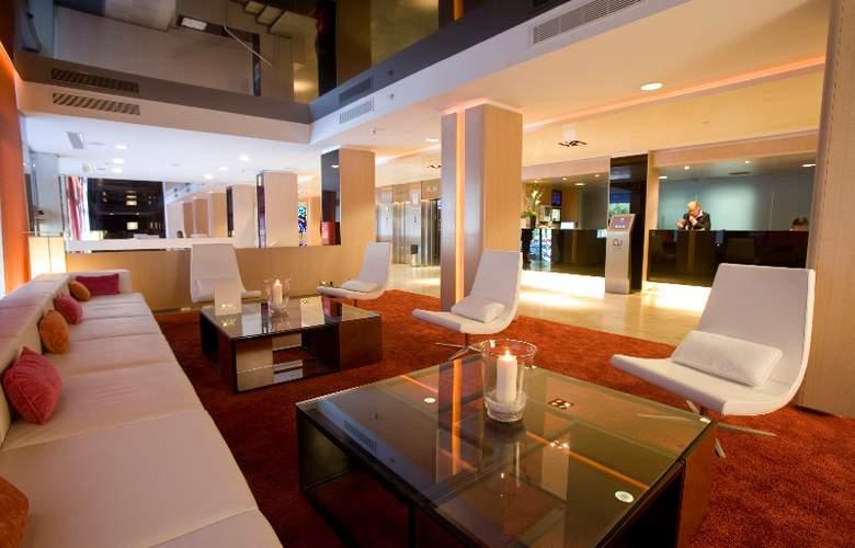 Ayre Gran Hotel Colon - General - 1