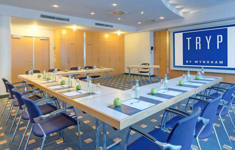 Tryp Dusseldorf Airport - Conference - 21