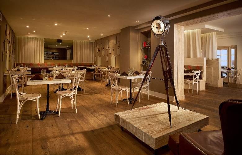 Blue Moon Hotel - Restaurant - 12