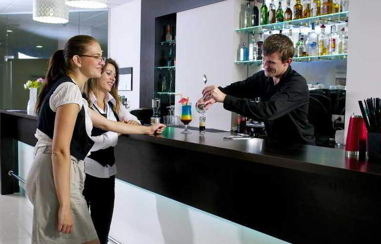 Ramada Lviv - Bar - 3