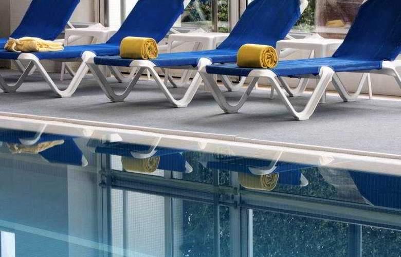 Golden Tulip Porto Gaia Hotel & SPA - Pool - 4