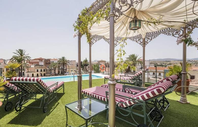 Ilunion Mérida Palace - Pool - 3