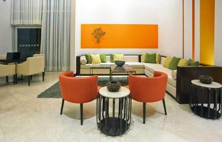 Holiday Inn Bogota Airport Hotel - General - 10