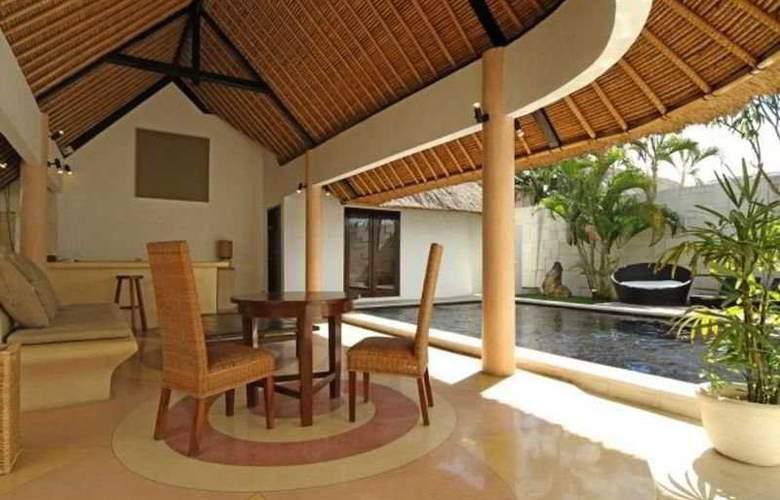 B Villa Seaside - Pool - 8