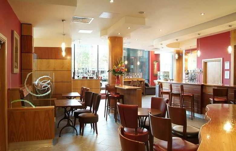 Jurys Inn Milton Keynes - Bar - 4