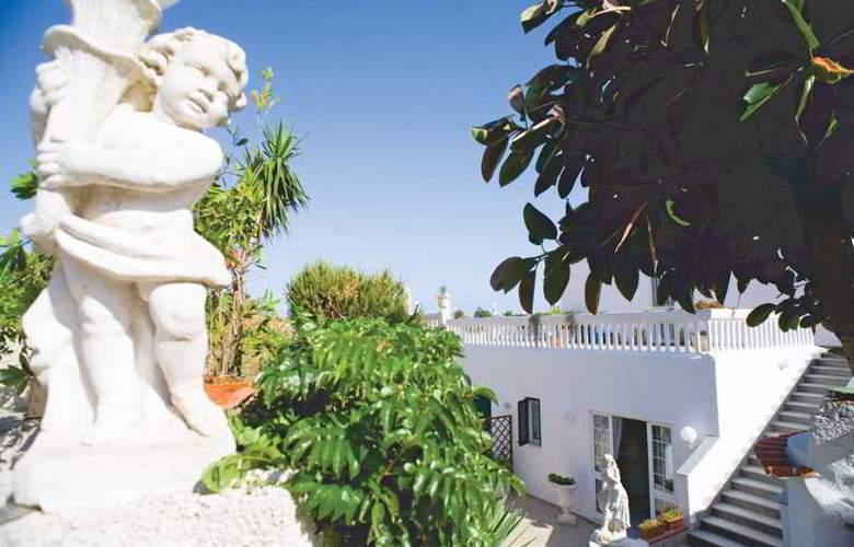 Villa Natalina - Hotel - 4