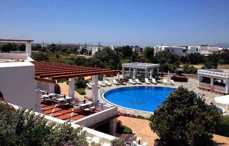 Porto Naxos - Pool - 16