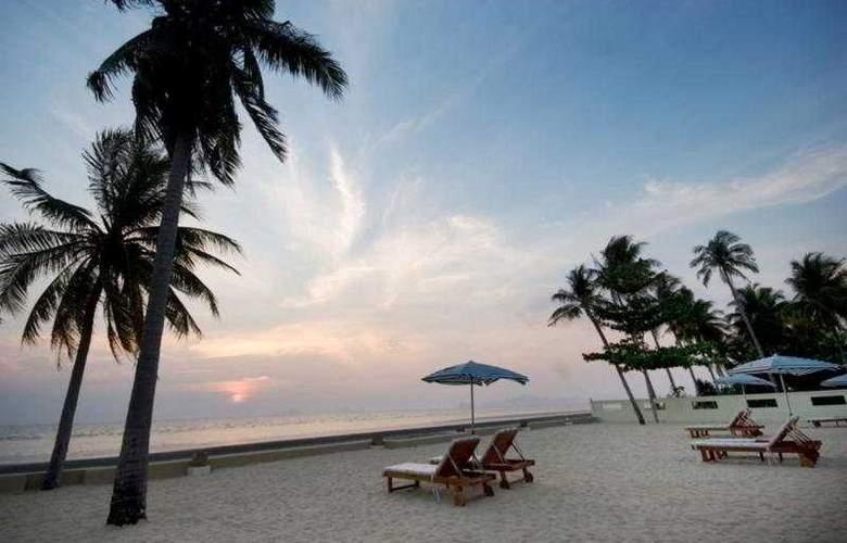 Nantra De Deluxe - Beach - 7