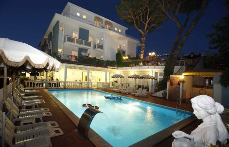 Villa Dei Fiori - Hotel - 0
