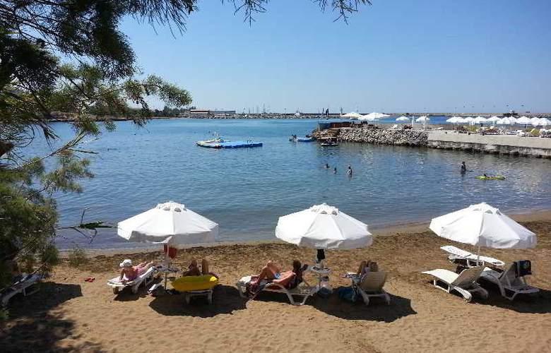 Oscar Resort - Beach - 7