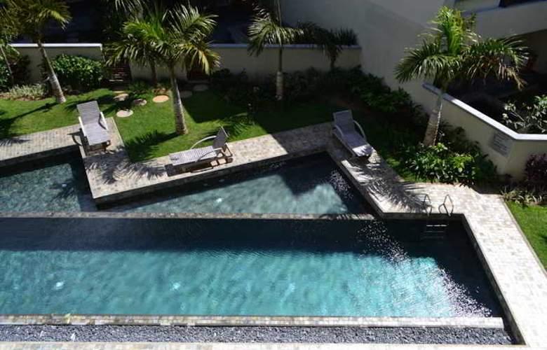 Cape Bay Luxury Beach Apartments By BARNES - Pool - 2