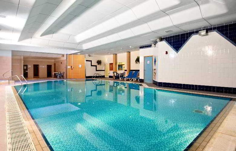 Doubletree by Hilton Aberdeen City Centre - Pool - 10
