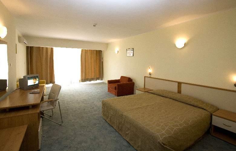 Largo - Room - 6