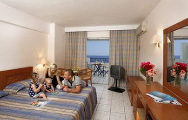 Louis Plagos Beach - Room - 3